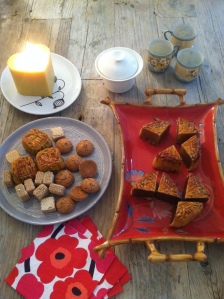 Mooncake & oolong party at my house for this year's harvest moon, September 2015.